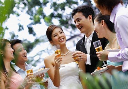 cách tổ chức đám cưới hiện đại
